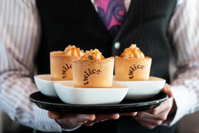 Air New Zealand Trials Edible Coffee Cups Banbury Cake