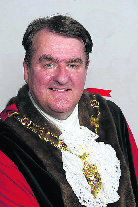 Lord Mayor faces standards inquiry