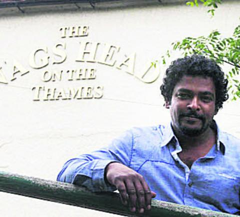 Banbury Cake: Dushan Salwathura at the Nag's Head, in Abingdon