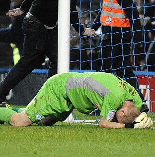 Sheffield Wednesday goalkeeper Chris Kirkland after being struck by a fan (EMPICS Sport)
