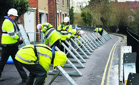 Flood barriers being installed at Osney Island in December 2012 during a previous flood warni