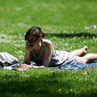 Forecasters are predicting a mainly sunny early-May bank holiday weekend