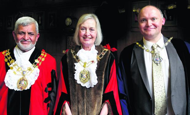 The new Lord Mayor of Oxford Dee Sinclair with her deputy Tony Brett, right, and outgoing Lord Mayor Mohammed Abbasi, who will serve in the ceremonial role of City Sheriff for a year. Picture: OX59286 Damian Halliwell