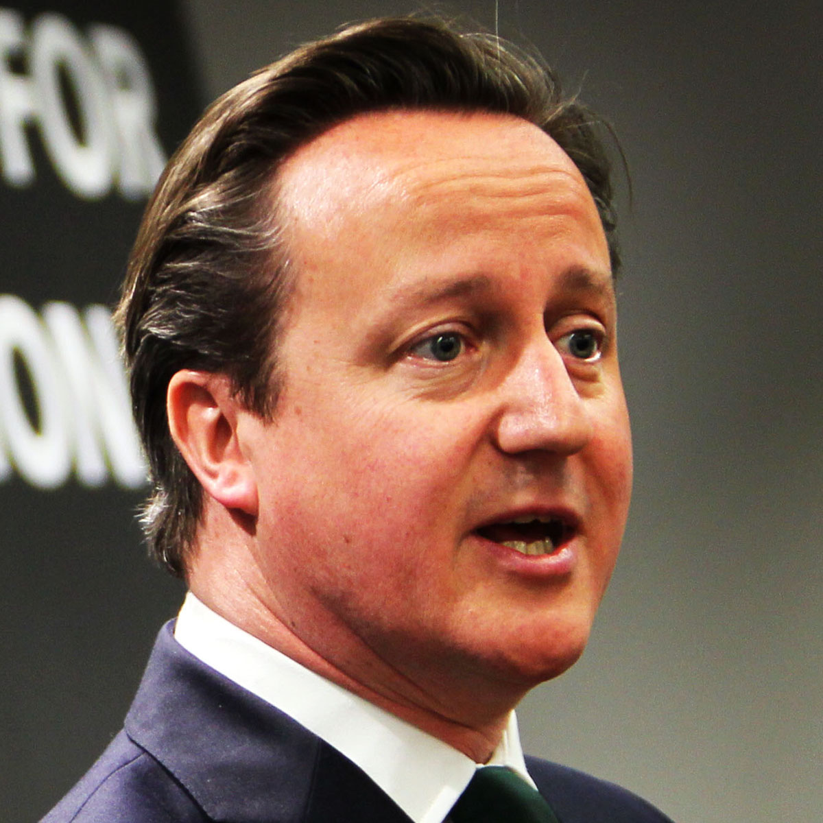 Cameron presents store's £315 donation