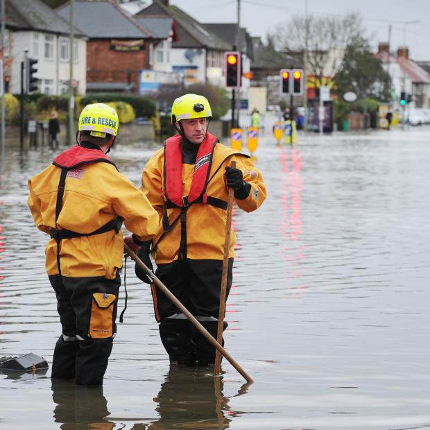 Banbury Cake: Rise in river levels after rain prompts fresh flood alerts