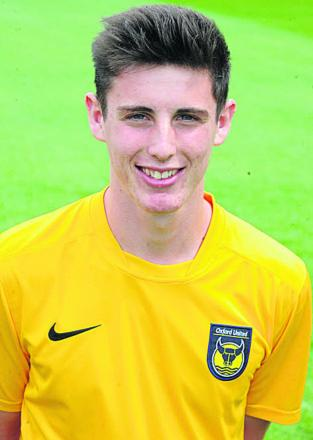 Oxford United offer professional contracts to pair