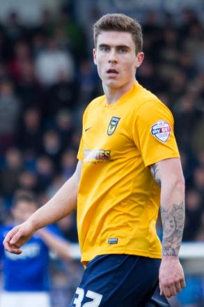 Ruffels signs long-term contract at Oxford United