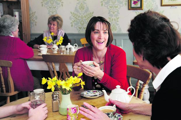 Banbury Cake: Laura Freeth, Death Cafe facilitator for OXBEL, meets and talks to people in a local cafe.  Picture: OX66632 David Fleming