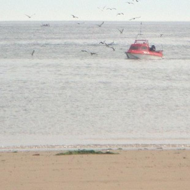 Banbury Cake: A windsurfer brought to shore in Redcar, Cleveland by rescue services has died.