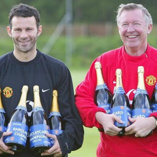 "Banbury Cake: Sir Alex Ferguson, pictured right, hailed the ""fantastic career"" of Ryan Giggs, left"