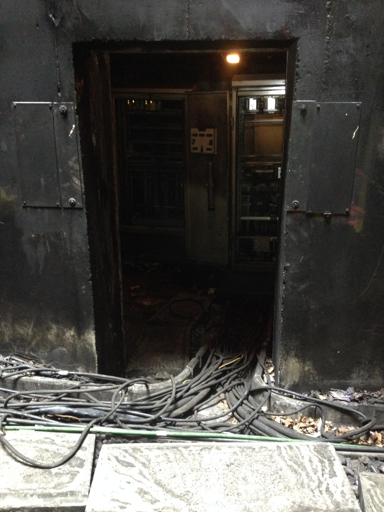 Chiltern Railways has posted this picture of the damaged signal cable