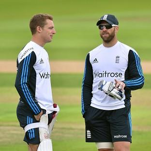 England captain Alastair Cook expects Matt Prior, right, to be fit to face India at Trent Bridge