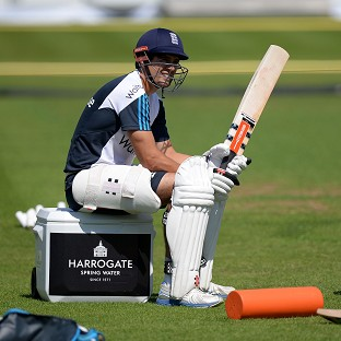 Captains call for Cook to step down