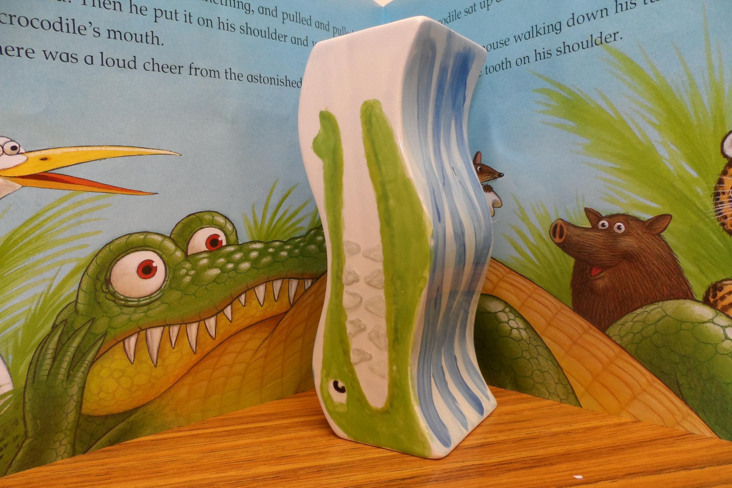 Story Book Pottery : The Selfish Crocodile.