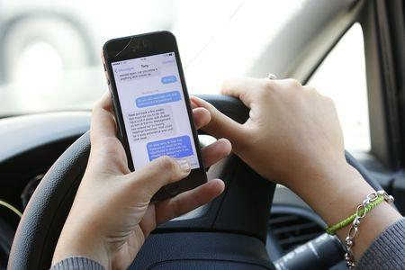New technology is being used in the Thames Valley to combat drivers using mobile phones